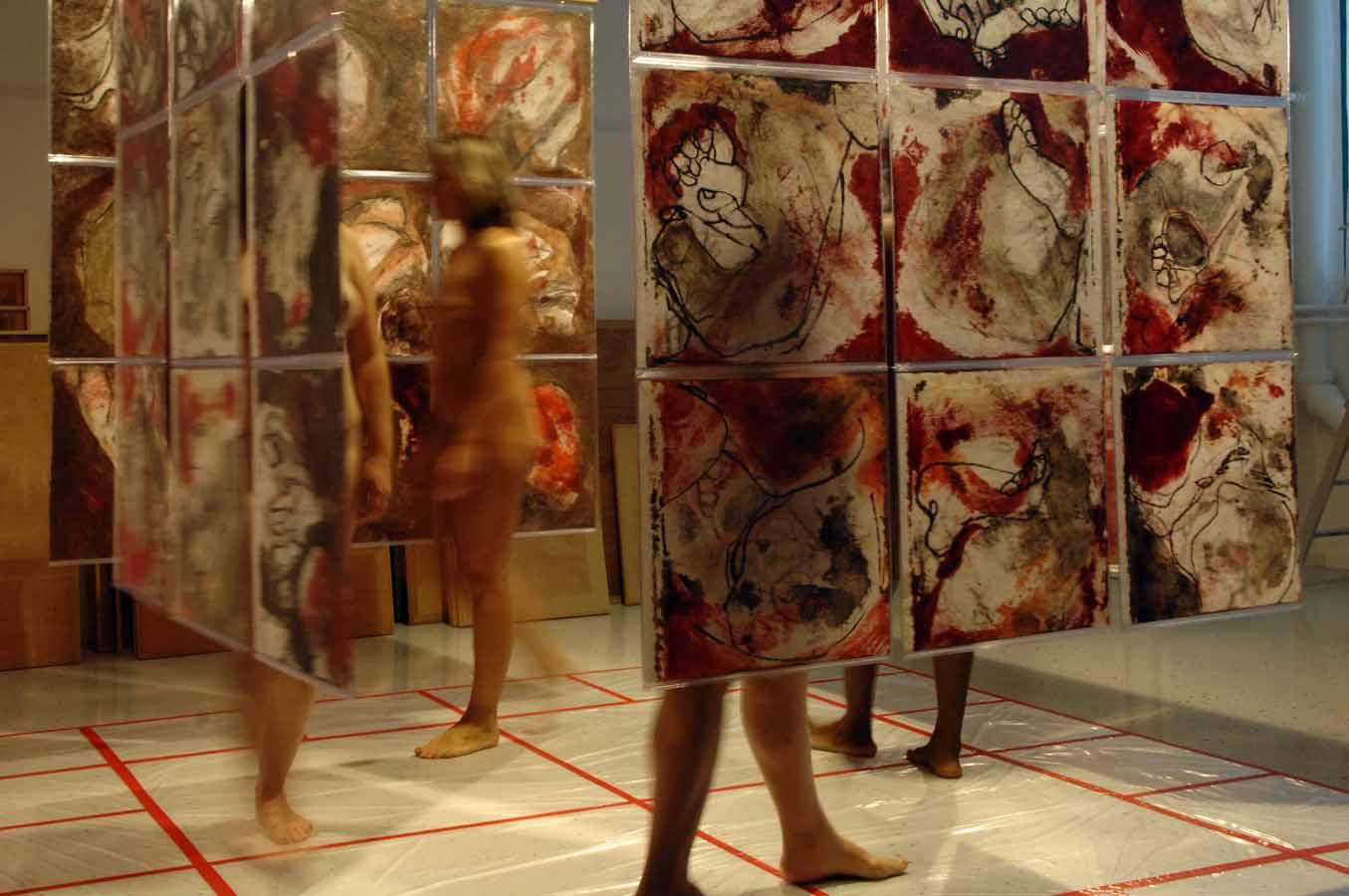 FEMINA CORPUS - (polyptyque en 36 tps) - 2005 - Pastel, acrylique et huile sur papier chinois mis sous PVC Crystal (extérieur) (160x160x160) - © Palombit - © Photo Claude Abron