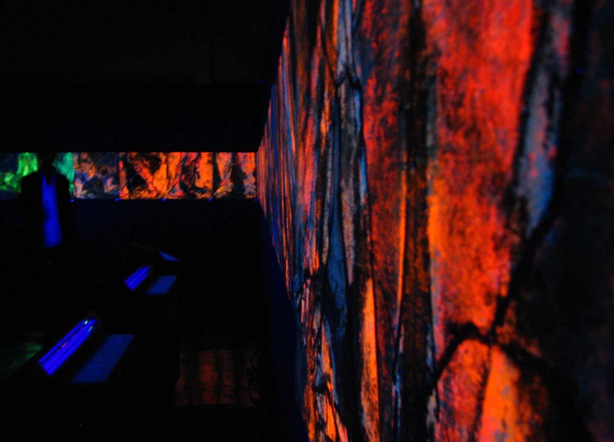 LES PARCOURS - Invitée d'Honneur au 10ans du Festival d'Art Contemporain de PERROS GUIRREC 29 (4 000 x 68) - octobre novembre 2013 - Pastel, acrylique et huile sur papier chinois marouflé sur toile - © Palombit